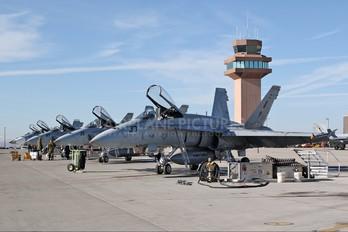 162837 - USA - Navy McDonnell Douglas F/A-18A Hornet