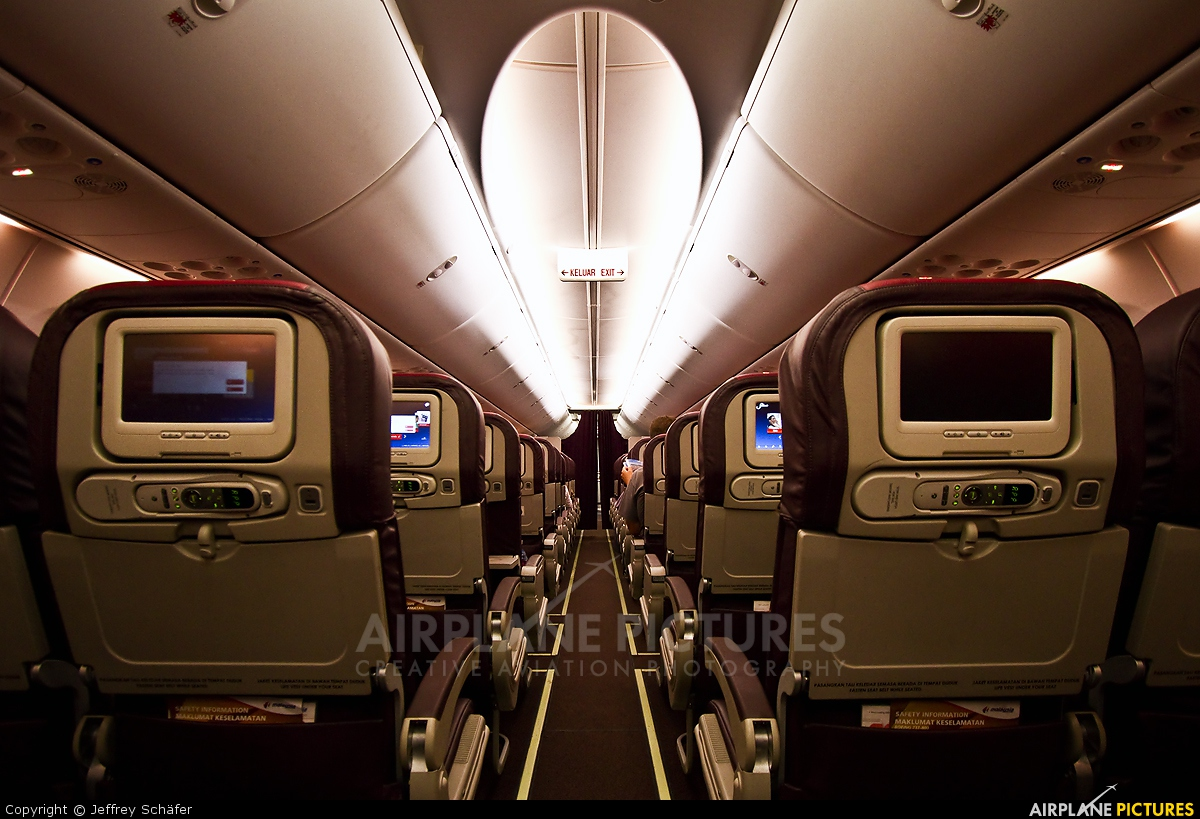 Boeing 737 800 aircraft inside image - Malaysia Airlines 9m Mln Aircraft At In Flight Malaysia