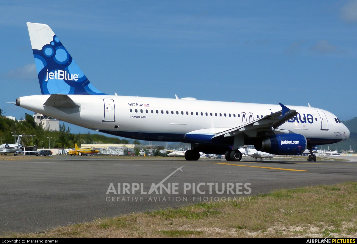 JetBlue Airways N579JB aircraft at Sint Maarten - Princess Juliana Intl