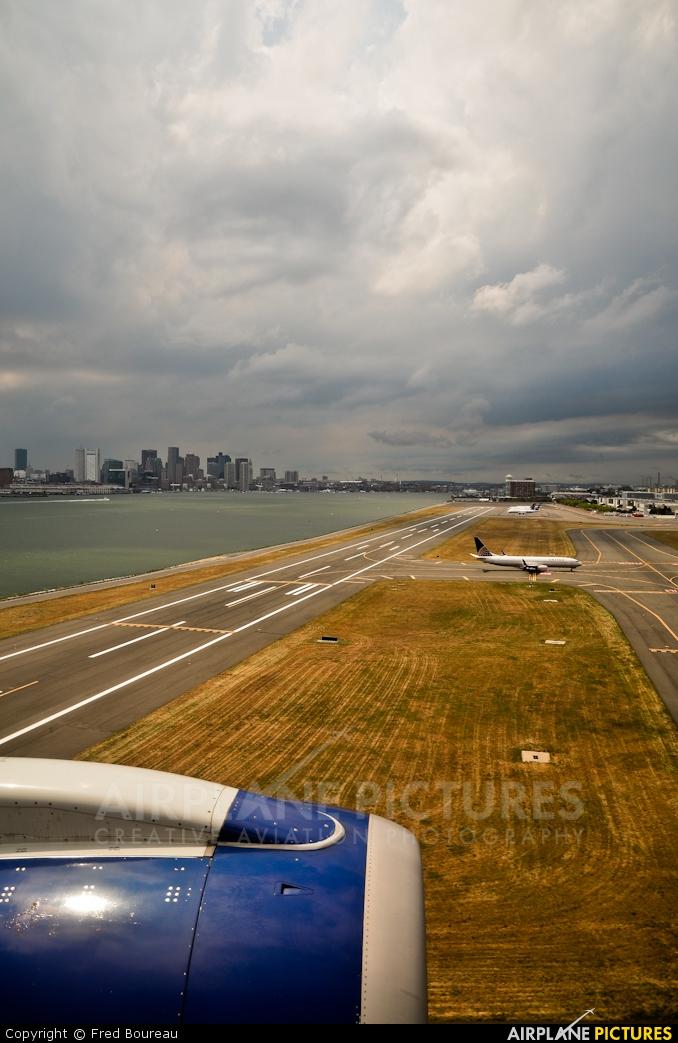 - Airport Overview - aircraft at Boston - General Edward Lawrence Logan Intl