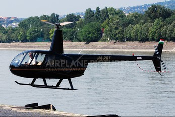 HA-RBT - Private Robinson R44 Astro / Raven