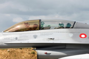 ET-198 - Denmark - Air Force General Dynamics F-16B Fighting Falcon