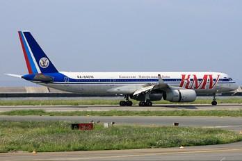 RA-64016 - KMV Tupolev Tu-204