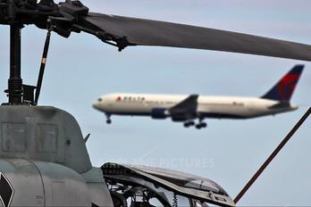 165291 - USA - Marine Corps Bell AH-1W Super Cobra