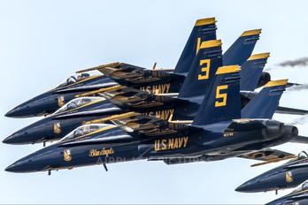163768 - USA - Navy : Blue Angels McDonnell Douglas F/A-18C Hornet
