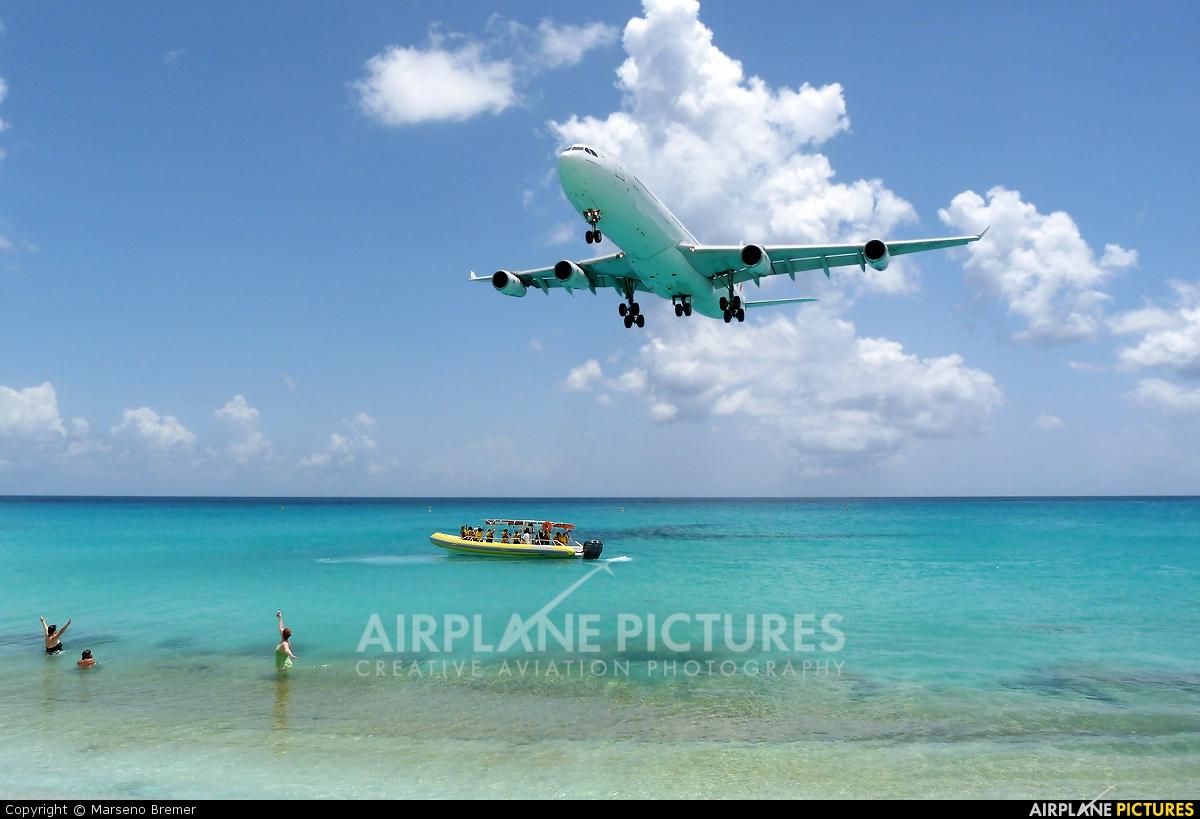 Air France F-GLZM aircraft at Sint Maarten - Princess Juliana Intl