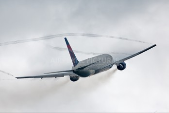 N1602 - Delta Air Lines Boeing 767-300ER