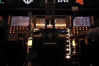- - Simulator Boeing 737-700