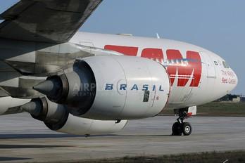PT-MSN - TAM Airbus A340-500