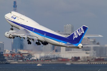 JA8099 - ANA - All Nippon Airways Boeing 747-400