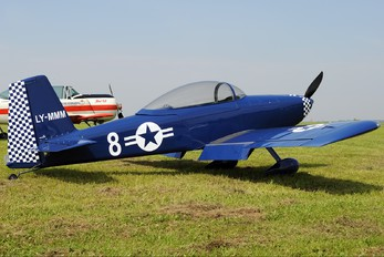 LY-MMM - Private Vans RV-8