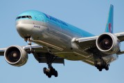 HL8209 - Korean Air Boeing 777-300ER aircraft