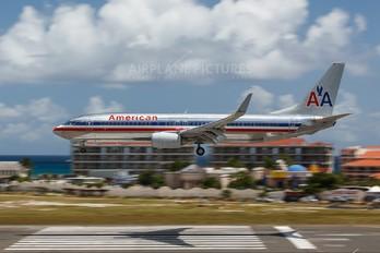 N847NN - American Airlines Boeing 737-800