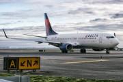 N379DA - Delta Air Lines Boeing 737-800 aircraft