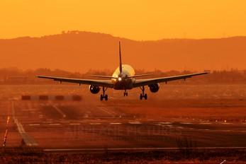 F-HCZI - Aigle Azur Airbus A319