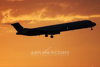 - - SAS - Scandinavian Airlines McDonnell Douglas MD-82