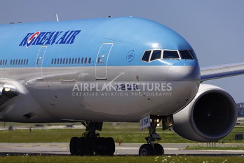 HL7764 - Korean Air Boeing 777-200ER