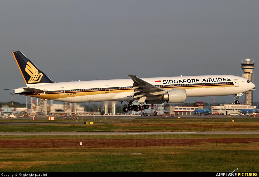 Singapore Airlines 9V-SWQ aircraft at Milan - Malpensa