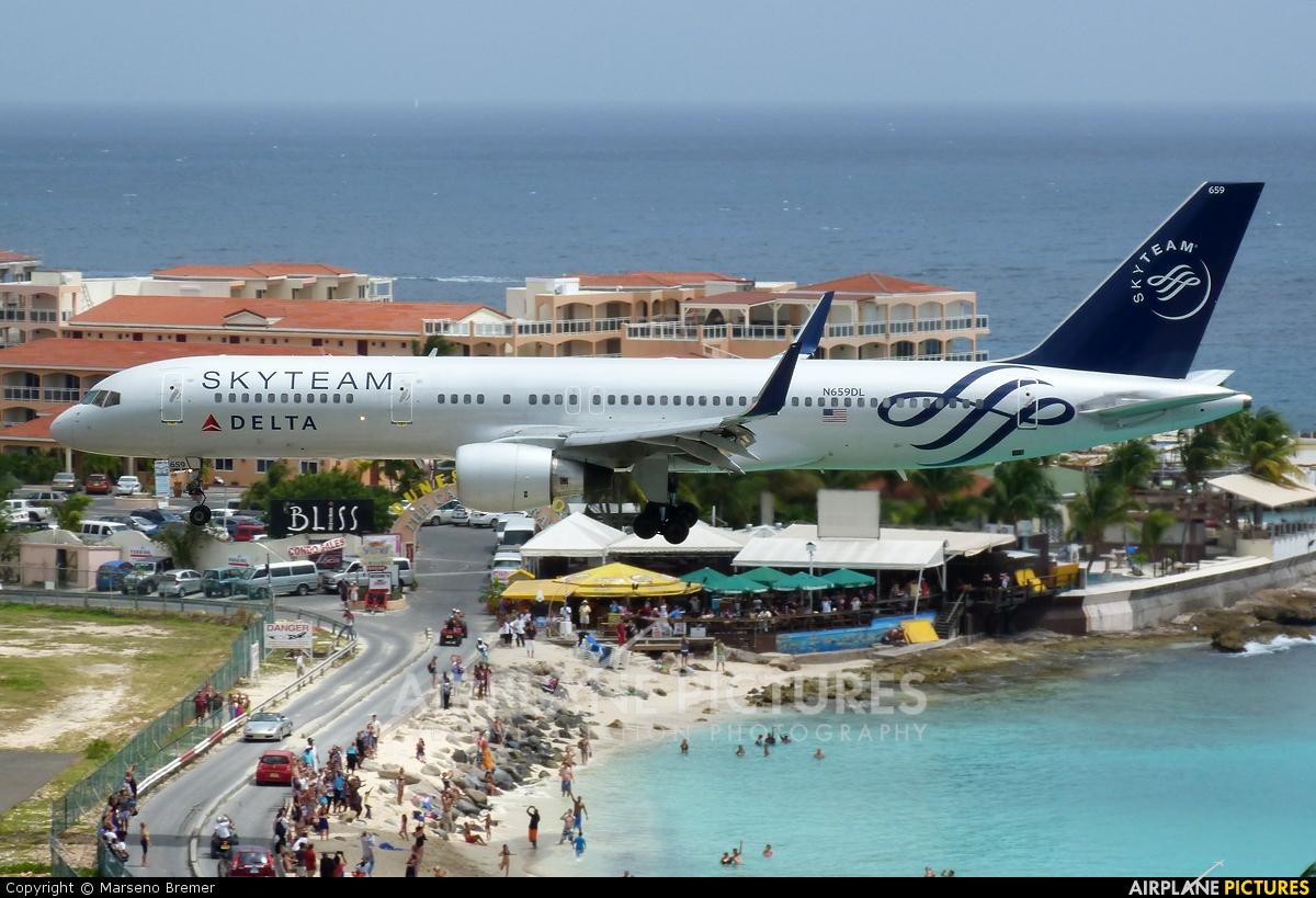 Delta Air Lines N659DL aircraft at Sint Maarten - Princess Juliana Intl