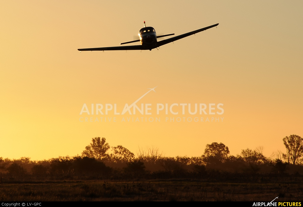 Private LV-NXL aircraft at La Plata