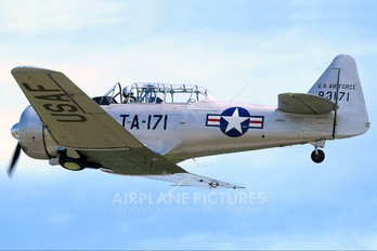N36913 - Private North American Harvard/Texan (AT-6, 16, SNJ series)