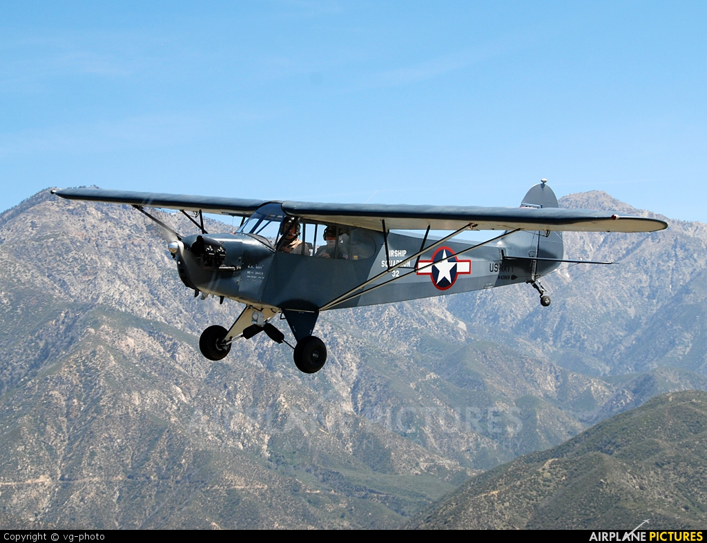 Private N42869 aircraft at In Flight - California