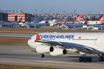 TC-JDN - Turkish Airlines Airbus A340-300