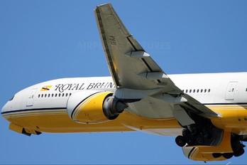 V8-BLA - Royal Brunei Airlines Boeing 777-200ER