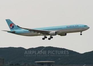 HL7587 - Korean Air Airbus A330-300