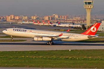 TC-JIK - Turkish Airlines Airbus A340-300