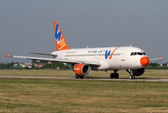 EI-DOE - Windjet Airbus A320