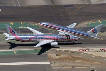 N338AA - American Airlines Boeing 767-200ER