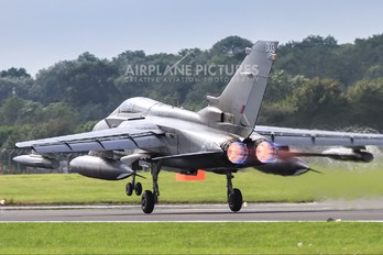 ZA369 - Royal Air Force Panavia Tornado GR.4 / 4A