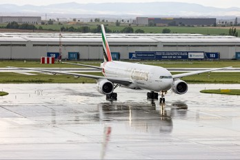A6-EMH - Emirates Airlines Boeing 777-200