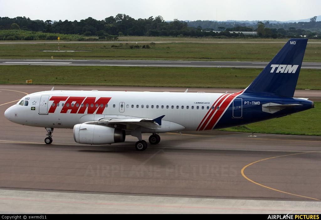 TAM PT-TMD aircraft at Curitiba -  Afonso Pena