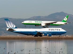 N174UA - United Airlines Boeing 747-400