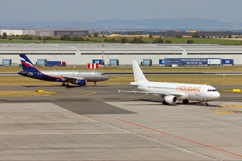 YL-LCH - CSA - Holidays Czech Airlines Airbus A320