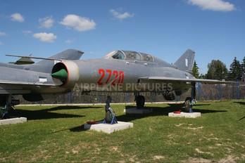2720 - Poland - Air Force Mikoyan-Gurevich MiG-21U