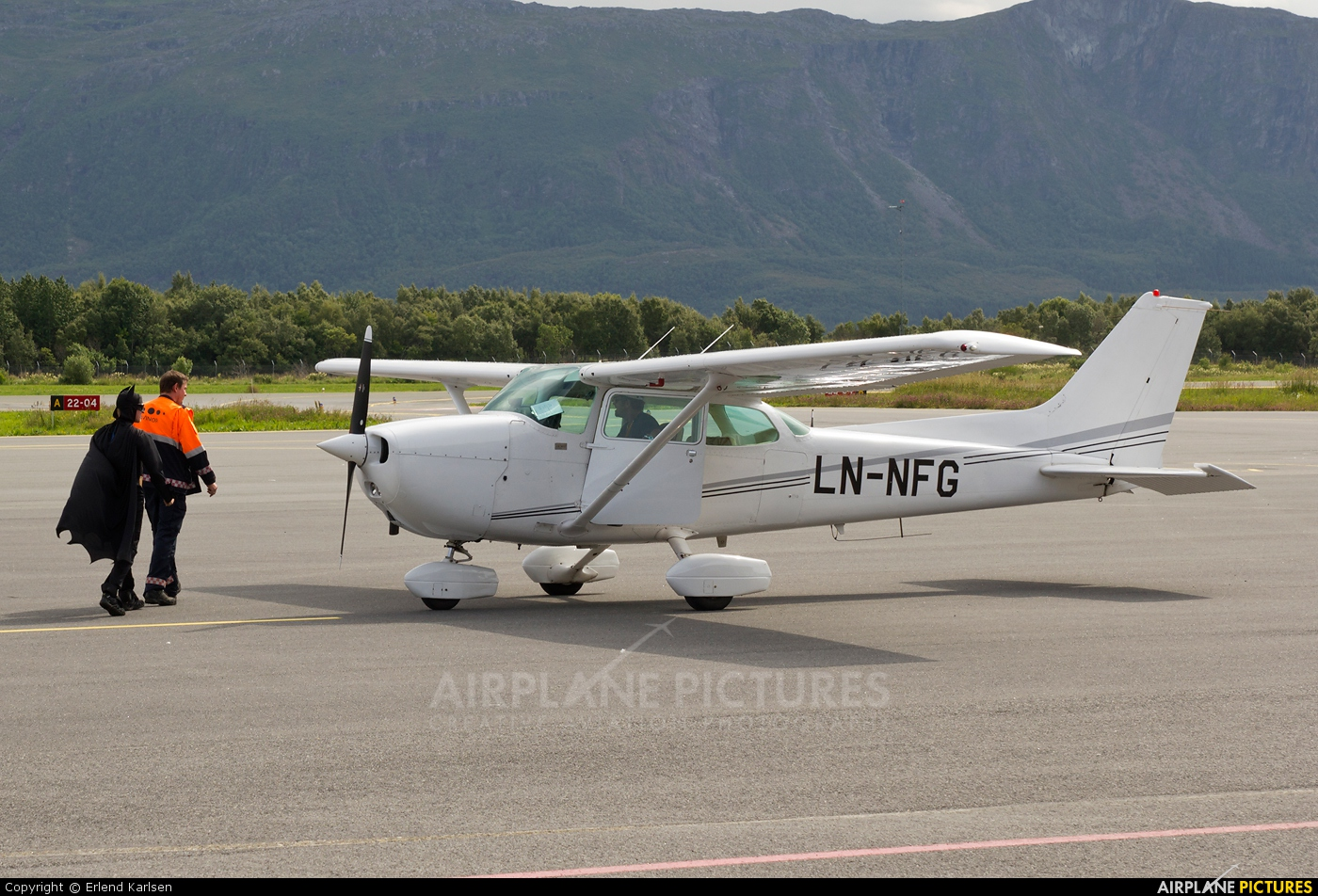 Private LN-NFG aircraft at Brønnøysund