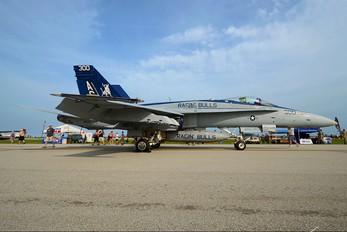 165203 - USA - Navy McDonnell Douglas F/A-18C Hornet