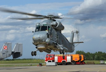 163546 - Poland - Navy Kaman SH-2G Super Seasprite