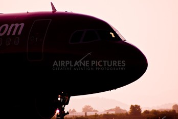 HA-LPU - Wizz Air Airbus A320