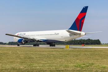N182DN - Delta Air Lines Boeing 767-300ER