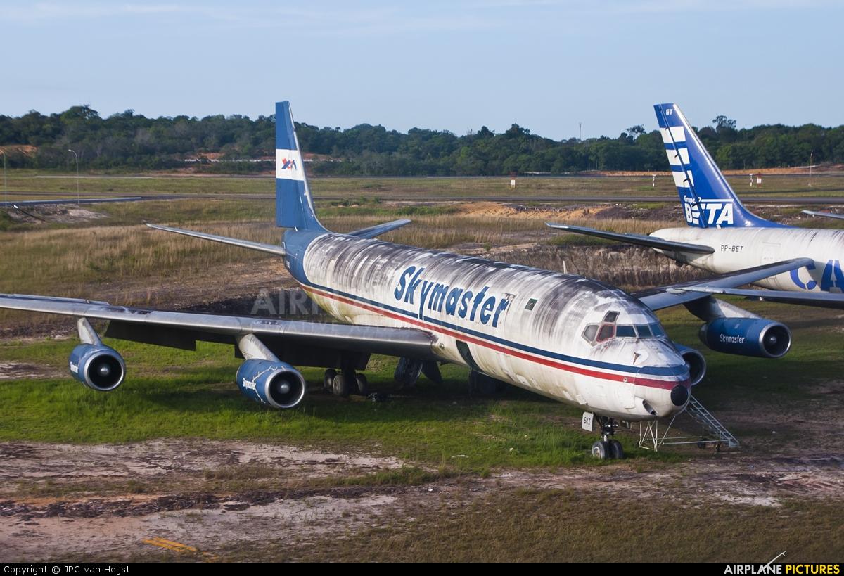 Skymaster Airlines PR-SKI aircraft at Manaus - Eduardo Gomes