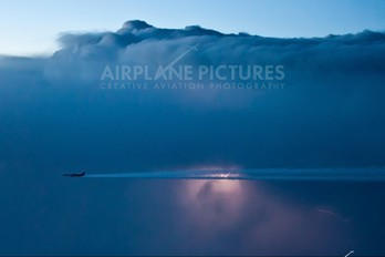 - - LAN Airlines Airbus A340-300