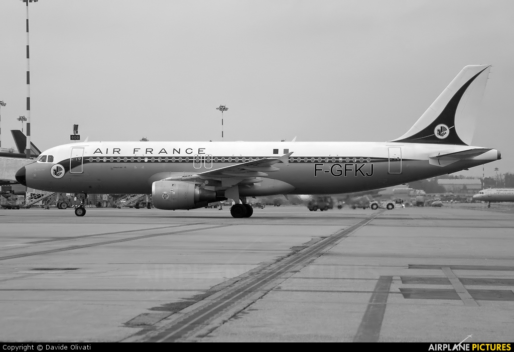 Air France F-GFKJ aircraft at Milan - Malpensa