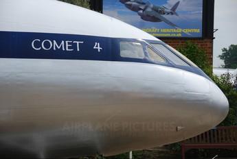 XK695 - Royal Air Force de Havilland DH.106 Comet C.2