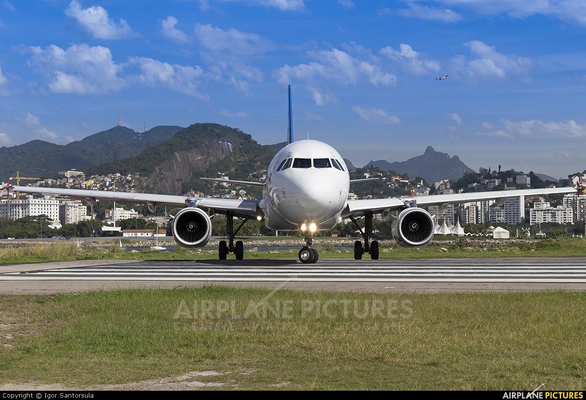 TAM PT-MZC aircraft at Rio de Janeiro - Santos Dumont