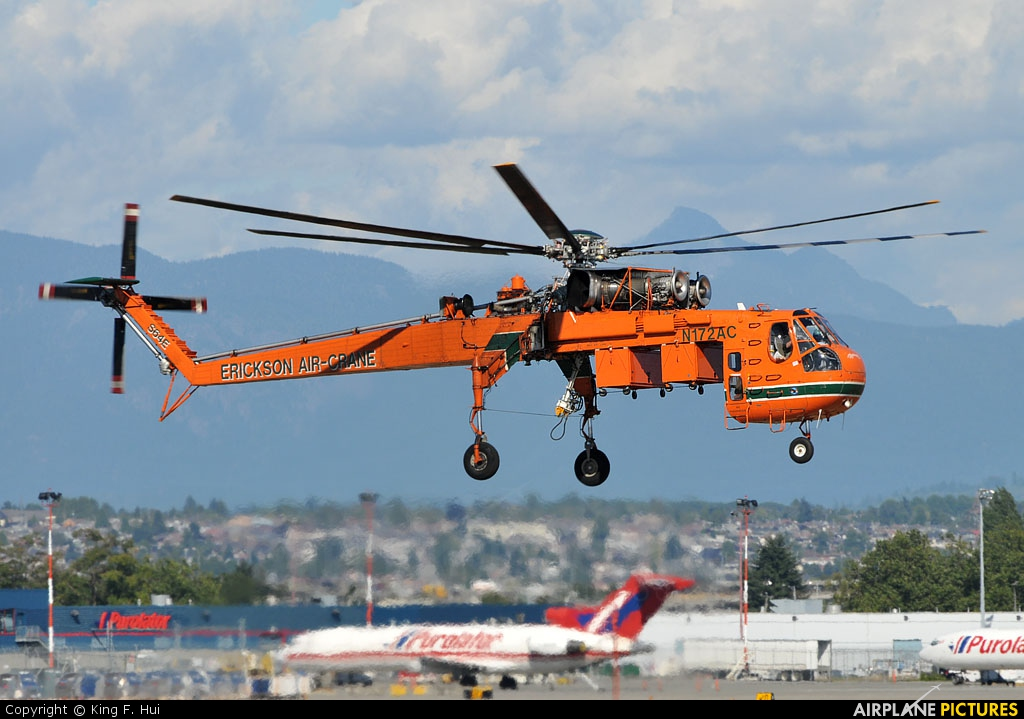 Erickson Air-Crane N172AC aircraft at Vancouver Intl, BC