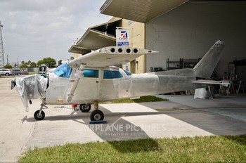 - - Private Cessna 172 Skyhawk (all models except RG)